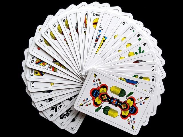 Jak funguje výklad z tarotových karet