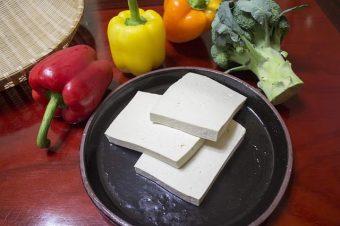 Co je to tofu a jak jej používat v kuchyni