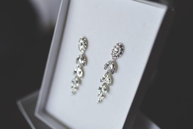 Máte alergii na šperky – Jak se projevuje alergie na šperky?