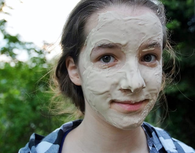 Jak si doma vyrobit pleťovou masku?