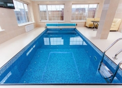 Jaké existují způsoby zakrytí bazénu?