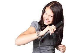 5 Tipů, jak se rychle zbavit lupů ve vlasech