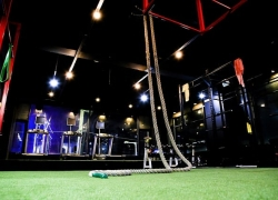 CrossFit – funkční trénink, jaký je rozdíl oproti klasické posilovně?
